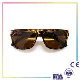Ultimi occhiali da sole di modo di disegno di alta qualità per i Mens
