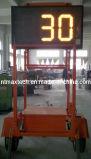 トレーラーの台紙の交通安全のための移動可能なトラフィックのレーダーの速度の印