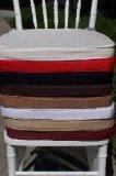 Silla blanca de Chiavari de la alta calidad con el amortiguador negro