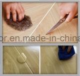 Plancher de PVC qui ressemble au plancher en bois