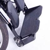 La potencia derecha resistente levanta para arriba el sillón de ruedas eléctrico del asiento