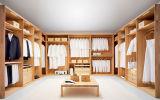 全家の2引き戸が付いているカスタム純木のワードローブ