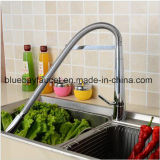 Il bene durevole spruzza il collo lungo estrae il rubinetto della cucina con il becco della parte girevole