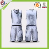 China crea los uniformes reversibles baratos uniformes del baloncesto para requisitos particulares de la juventud de Camo del baloncesto barato de la sublimación al por mayor