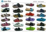 Sapatas novas dos calçados da senhora e do homem da forma do falhanço da aleta das sandálias
