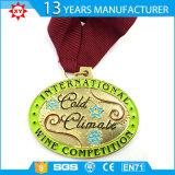 La medaglia d'argento di lucidatura di marchio della pressofusione con il nastro