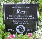 Lugar final personalizado do Monumento- da lápide do ser humano/animal de estimação a dormir