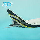 Игрушка модели корабля Boeing B777f южная