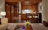 休日の木のホテルのスイートルーム部屋の家具/厚遇リゾート