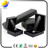 Специальная коробка кольца верхнего качества формы более дешевая с светом СИД