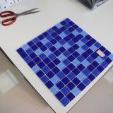 Mattonelle di mosaico blu di vetro di reticolo dell'onda per la costruzione della piscina