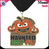 Medalhas macias da liga do zinco do esmalte da maratona de Halloween da venda por atacado do fornecedor de China