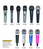 Chant magique de câble tenu dans la main de Karaok de condensateur de microphone