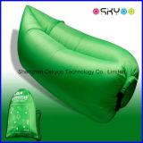ロゴの膨脹可能な空気ベッドのソファーの寝袋をカスタマイズしなさい