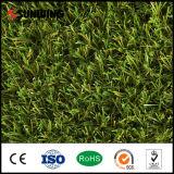 Verde natural do olhar 30mm do baixo custo que ajardina a esteira artificial do relvado da grama