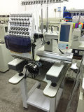 Eine Hauptstickerei-Maschine mit Geschwindigkeit 1200 näht ein aufsetzt