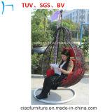 フォーシャンの屋外の藤の家具の庭の藤の振動椅子