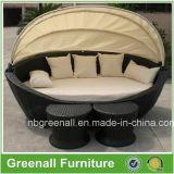 屋外の藤の寝台兼用の長椅子Gn3638L