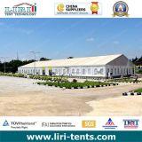 1000 de Tent van mensen voor het Centrum van de Gebeurtenis met de Stoelen & de Lijsten van het Meubilair