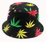 カエデの葉の印刷されたロゴのバケツの帽子