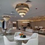 Iluminación pendiente redonda del oro moderno y de lujo con el hotel