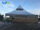 barraca do pináculo 20X20' com o telhado desobstruído branco e parcial para a venda
