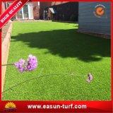 Openlucht Synthetisch Gras en het Kunstmatige Gras van het Tapijt van de Tuin van het Gras