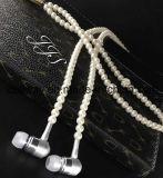 Наушники MP3 телефона в перле диаманта уха отбортовывают наушники ожерелья пар с девушками Earbuds подарка способа Mic