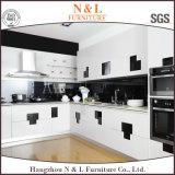 現代簡単なラッカー食器棚は台所デザインをカスタマイズした
