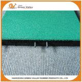 Couvre-tapis en caoutchouc de plancher de tuiles de jardin d'enfants approuvé de la CE avec les chevilles en plastique