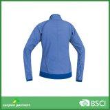 Hiking ся задействуя куртки Windstopper с капюшоном Softshell