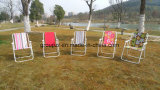 Metallkampierender im Freienfalz-Stuhl