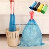 Sacchetto di immondizia a gettare del Drawstring della cucina su rullo