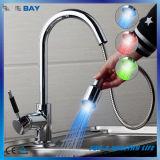 Pull-Down Spray Selbst-Energie 3 Küche-Wannen-Hahn der Farben-LED