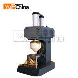 Máquina de casca automática econômica e prática do coco para a venda