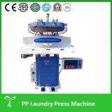 L'uso della fabbrica dei pantaloni ansima la pressa di stampaggio di Legger (barilotto)