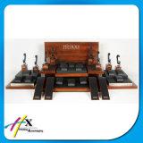 Bracelets et étalages en bois simples de montre réutilisés par coutume