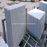 壁およびフロアーリングのための中国のホーム装飾的な雪の白い大理石のタイル
