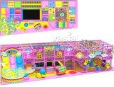 Patio de interior de los juguetes del tema del caramelo para los niños
