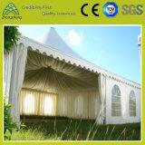 野外活動のための大きいテント