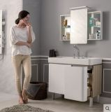 Шкаф ванной комнаты лака с серебряным зеркалом и много хранение