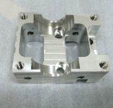 Hohe Präzision CNC-maschinell bearbeitender Aluminiumblock mit der silbernen Anodisierung