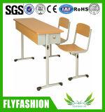 Le double bureau en bois d'élève a placé (SF-54)