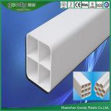 Formato de cuadrícula de PVC Tubo cuadrado Tubo perforado Alta resistencia a la compresión