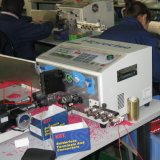 Estaca automática do fio & do cabo e descascamento torcendo a máquina