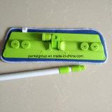 Mop зеленого цвета плоский