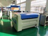 Non-Metlas (3.2*2', 4.2*3', 5.2*3.2', 8.2*4.2')のための絶妙な技量CNCレーザーの彫版機械