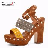 (Donna-в) сандалии женщин платформы высокой пятки замши коровы заклепки способа
