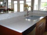 Partie supérieure du comptoir blanche de pétillement de quartz polie par surface solide pour la cuisine