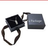 La caisse d'emballage de papier de mémoire de cadeau de bijou avec conçoivent en fonction du client